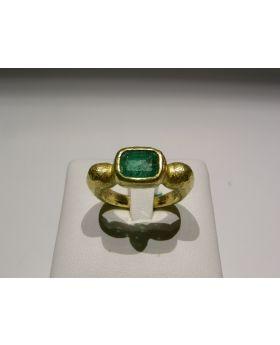 LSAU014 - Anello in Oro 750/°°° con Smeraldo naturale CT 2,14