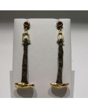 LSAU011-AU - Orecchini in oro 750/°°° con Rubini naturali e antichi chiodi