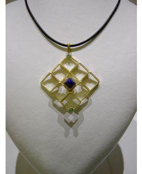 LSAU027 - Pendente in Oro 750/°°° con Lapislazzuli e Smeraldo naturali
